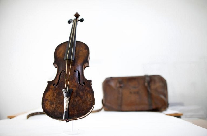 TITANIC VIOLIN SOLD FOR A WORLD RECord design limited edition unique pieces titanic violin sold for a world record2 1